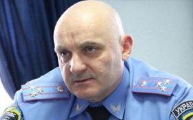 Появились драматичные видео штурма отделения полиции в Черкассах