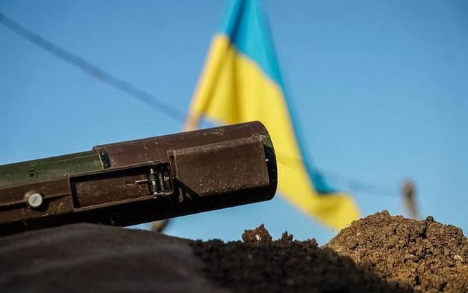 """Влучне попадання: в мережі показали відео знищення військової техніки бойовиків """"ДНР"""""""