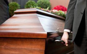 В Україні вступили в силу нові правила поховання людей: з'явилися роз'яснення