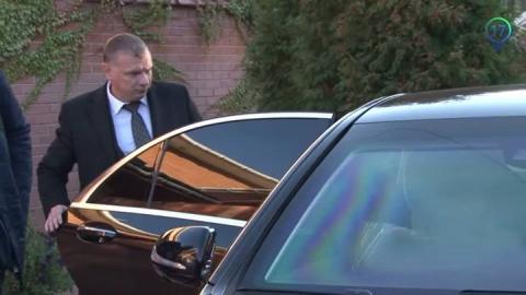 ЗМІ: Шокін їздить на Mercedes за 19 млн грн, прикриваючись номерами від Skoda (5 фото) (2)