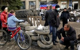 На Донбасі патріотам не дали зброю, а зараз у людей Януковича все добре - активіст
