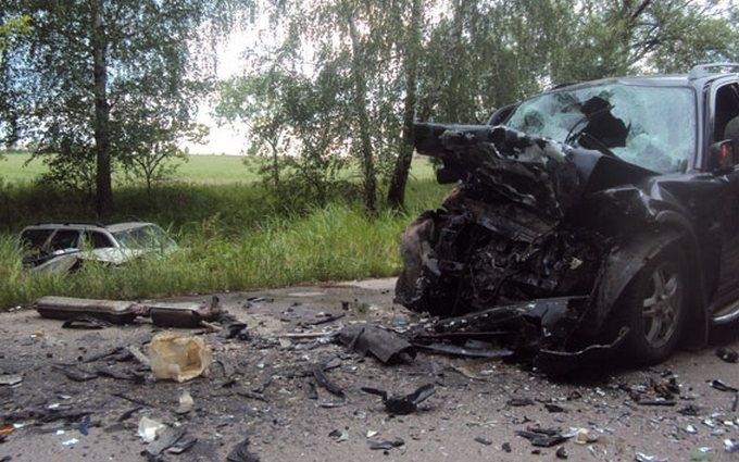 У страшному ДТП на Чернігівщині загинуло 5 осіб: опубліковані фото