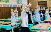 Новые парты и интерактивные доски: Гройсман показал новую украинскую школу