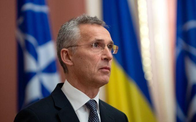 Ситуація погіршується - генсек НАТО терміново зателефонував міністру оборони України