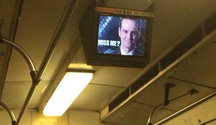 В киевском метрополитене взломали мониторы и разместили портрет Мориарти