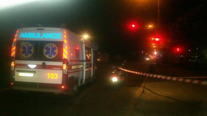 В Киеве прямо на автодороге произошла стрельба, погиб мотоциклист: опубликованы фото (5)