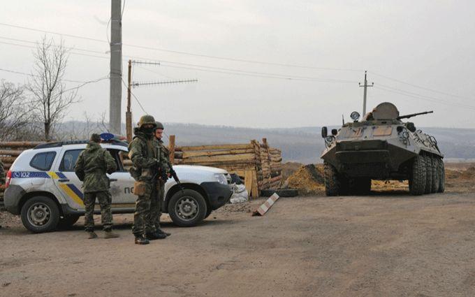 Силовики заблокировали дороги в ДНР-ЛНР: появились фото и видео