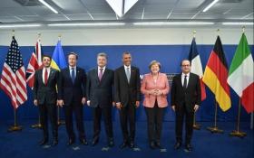 Наші союзники: Порошенко виклав фото із задоволеними західними лідерами