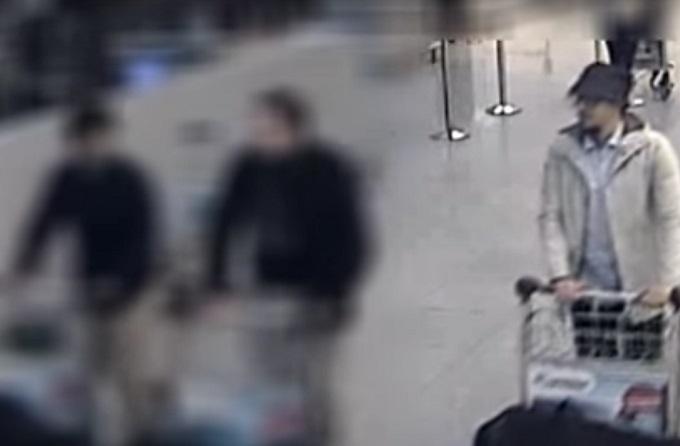 В сети появились кадры с террористами-смертниками в Брюсселе: опубликовано видео