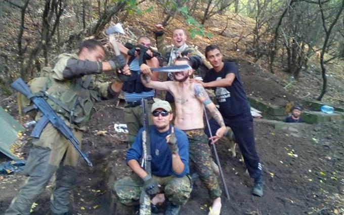 """Коли """"руському миру"""" нудно: в мережі висміяли дурні фото бойовиків на Донбасі"""
