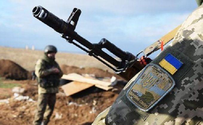 На Донбассе продолжаются интенсивные бои: среди украинских бойцов есть раненые