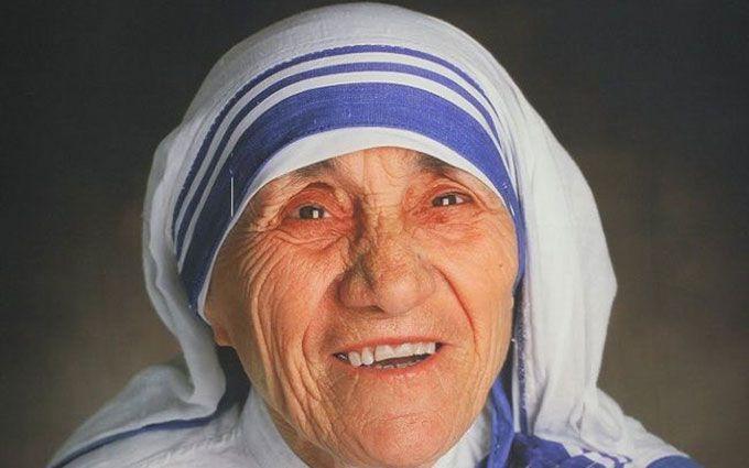 Ватикан канонізував Мати Терезу: з'явилися фото