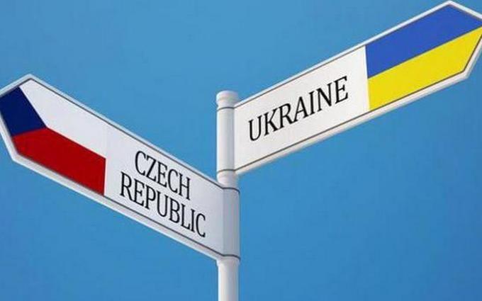 Чехия массово высылает заробитчан из Украины