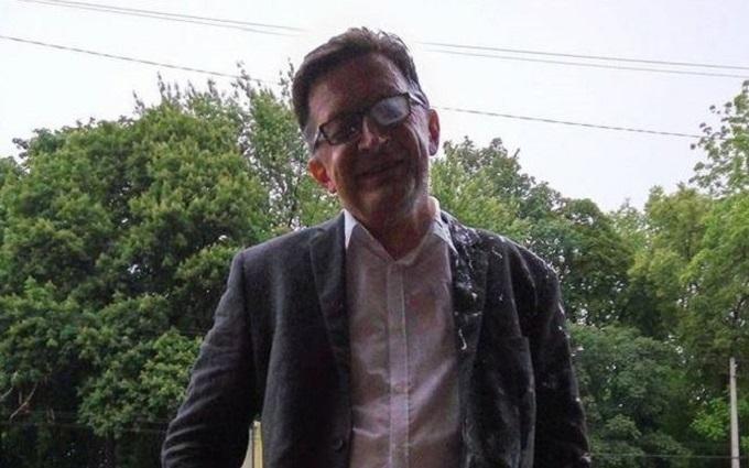 Стало відомо, хто напав на російського блогера в Києві: з'явилося відео атаки