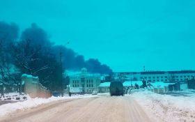 На одному з найбільших ринків України сталася пожежа: опубліковані відео