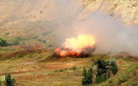 На Донбассе боевики бьют из БМП и управляемых ракет: среди бойцов ВСУ есть раненые