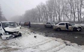 У Вінницькій області сталася масштабна ДТП, багато постраждалих: з'явилися фото і відео