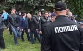 Бійка 9 травня в Дніпрі: активістам мало відставки поліцейської верхівки міста та області