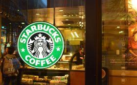 Starbucks на день полностью прекратит работу в США из-за расового скандала