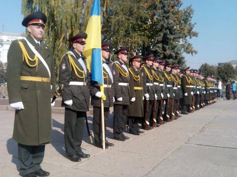День захисника України в Житомирі відзначили урочистою ходою почесної варти (8 фото) (4)
