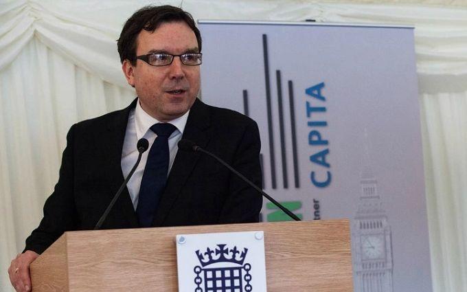 Британський міністр пішов у відставку через гучний секс-скандал