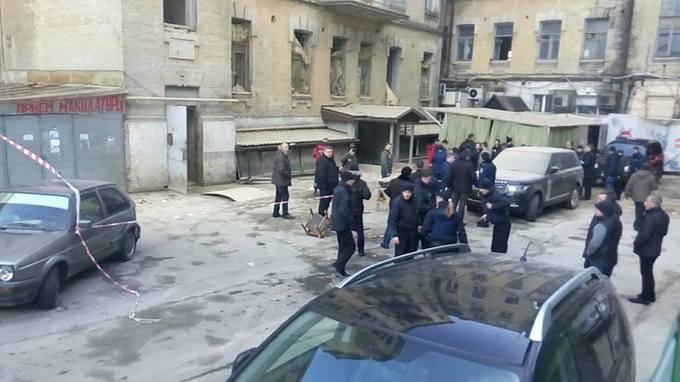 Появились новые фото и подробности с места обвала здания в Киеве (2)
