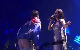 Джамала його навіть не помітила: у співачки прокоментували інцидент на Євробаченні