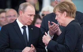 Путін розповів Меркель про причини виходу Росії з СЦКК