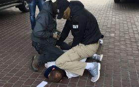 В Киеве задержали офицера Нацгвардии, который отправлял бойцов охранять имущество предпринимателей