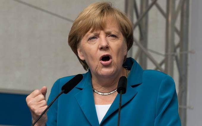 Меркель выступила за создание армии для защиты от России и США: Трамп жестко ответил