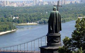 У Києві поглумилися над ще одним пам'ятником: з'явилося фото