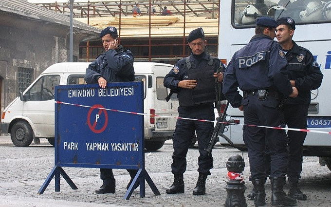 В Стамбуле застрелили террористок, напавших на полицию: опубликовано видео