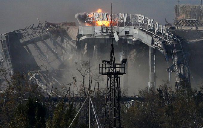 """В Україні з'явився пам'ятник наймолодшому """"кіборгу"""": опубліковано фото"""