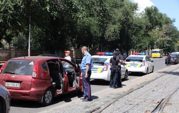 В Одесі патрульний коп здивував кіношним трюком: опубліковані фото