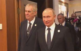 """Путін на зустрічі з президентом Чехії видав """"жарт"""" про ліквідацію журналістів: з'явилося відео"""