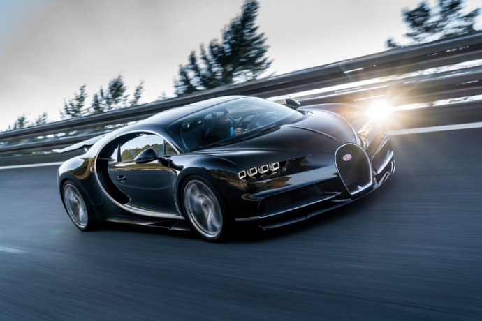 Представлена замена Bugatti Veyron (8)