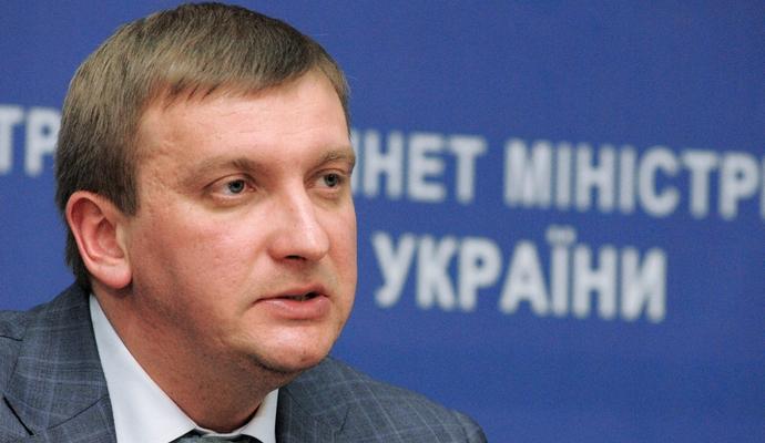 Петренко прибыл на заседание по предотвращению коррупции