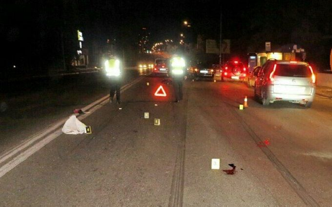 У Києві сталася смертельна ДТП: фото з місця аварії