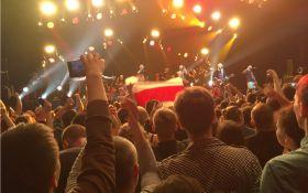 На концерте Brutto в Минске белорусы снова почтили бойцов АТО: фото и видео выступления
