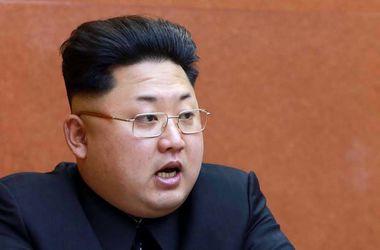 <p>Ким Чен Ын стал дядей. Фото: AFP</p>