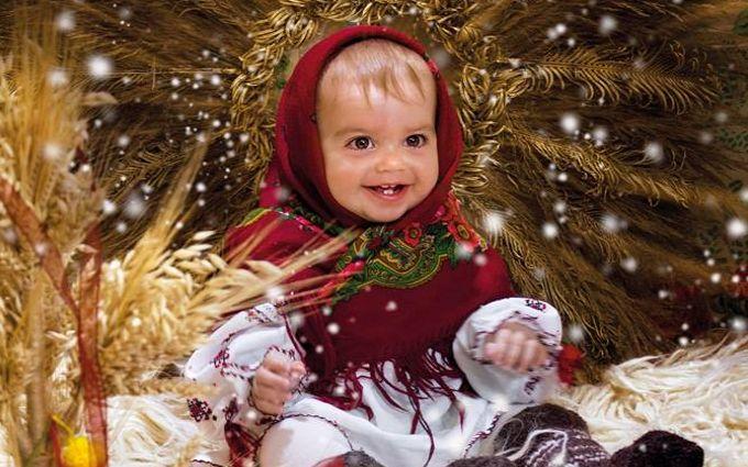 В Україні видали календар на 2017 рік з дітками в національному одязі: яскраві фото