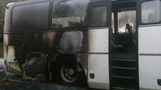 У Вінницькій області спалахнув автобус із десятками людей: з'явилися фото (1)