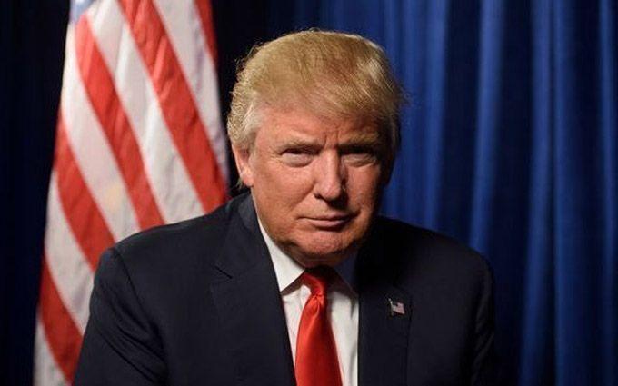 Трамп насмешил соцсети рассеяностью: опубликовано видео