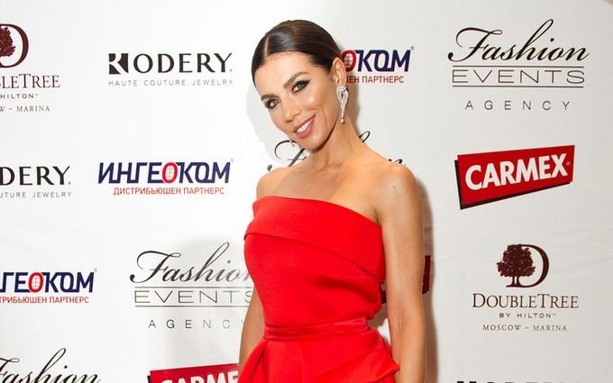 Седокова з'явилася на публіці з новим бойфрендом: опубліковані фото і відео