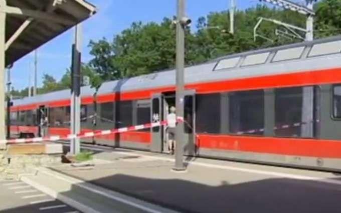 У Швейцарії чоловік з ножем влаштував різанину в поїзді: опубліковано відео