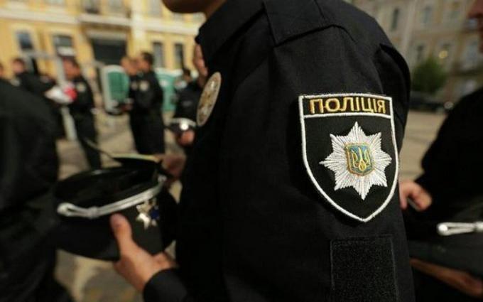 Ми ж свої: з'явилися фото і відео затримання п'яних поліцейських в Києві