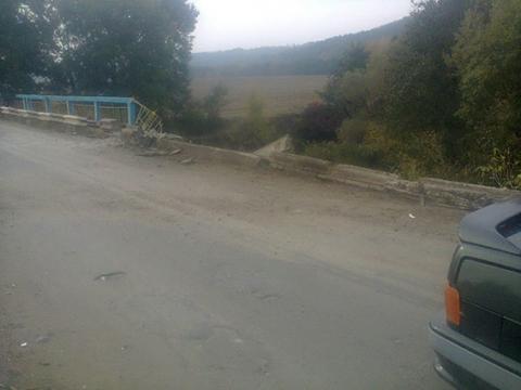 Вантажівка впала з мосту у Вінницькій області, загинув водій (2)
