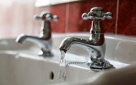 Три райони Києва залишили без гарячої води