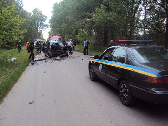У страшному ДТП на Чернігівщині загинуло 5 осіб: опубліковані фото (1)