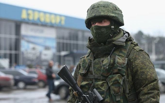 Росія перекидає в окупований Крим потужну зброю: опубліковано відео